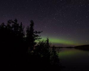 esnagami-lake-northern-lights